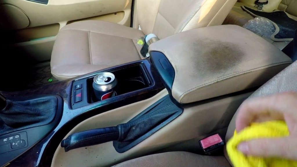 clean between car seats and console